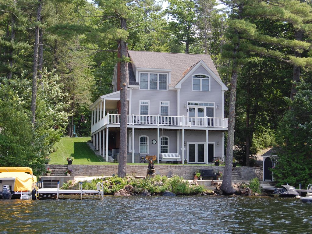Lakefront property with private dock and vrbo for Lake front homes
