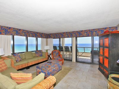 Living Area w/ Gorgeous Gulf Views