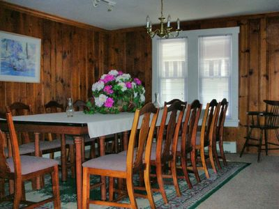 Dining room seating for 14 people