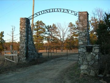 Mount Judea house rental - Entrance to Stone Haven