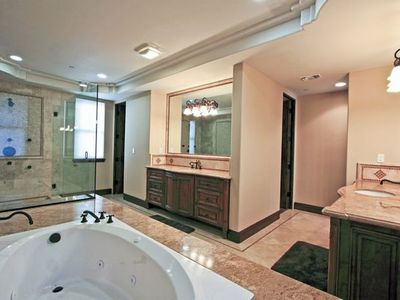 Hermosa Beach townhome rental - Master bath