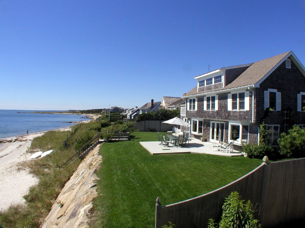 39 sunrise sunset 39 on the beach homeaway harwich port for Houses for sale on nantucket