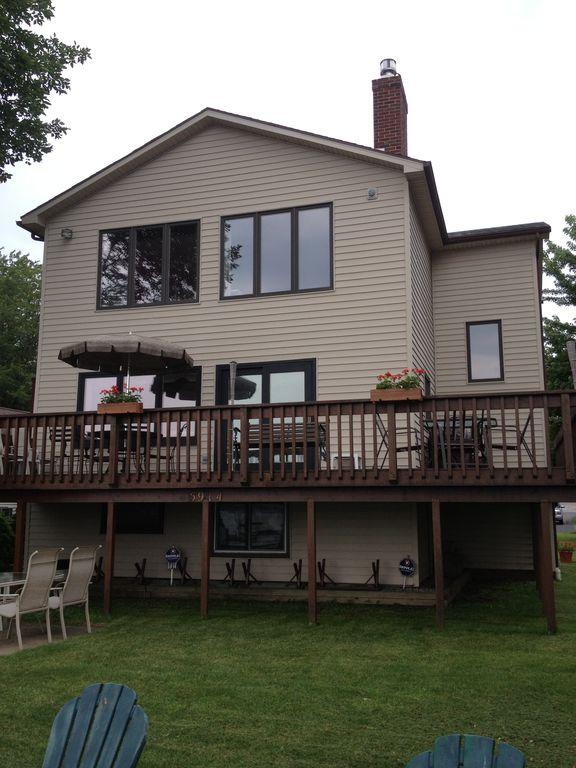 Family Friendly Centrally Located Home On Conesus Lake