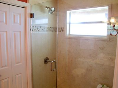 Destin cottage rental - Master shower