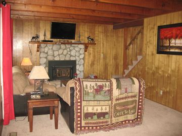 Peter Pan house rental - Family Room, 37' Flat Screen with Direct TV & DVD Player