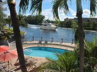 newly renovated in 2015, nice view on the intercoastal, 30 feet dock quit beach