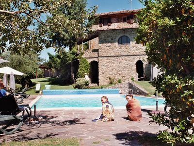 Adjoining stone pool house fully screened, satellite TV, Wi-Fi for 6 people.