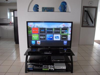 "Full entertainment center with 50"" LCD, BluRay player, XBox360, Net radio w/Ipod"
