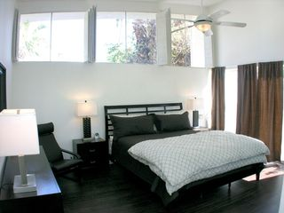 Palm Springs house photo - Master bedroom with clerestory windows
