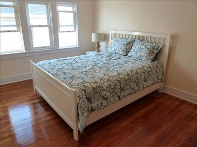 Avalon house rental - Bedroom #5 - Queen bed upstairs