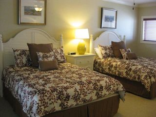 Bahia Vista I Ocean City condo photo - @ Queen bedroom with ensuite bathroom