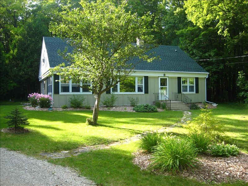 Secluded Cape Cod Home In Ellison Bay Door VRBO - Cape cod home