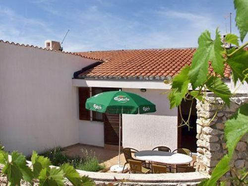 Holiday apartment 406800