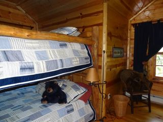 Cedarville cottage photo - queen bunk bedroom