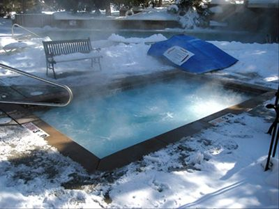 Red Pine condo: Outdoor spa by the pool. There's an indoor hot-tub too!