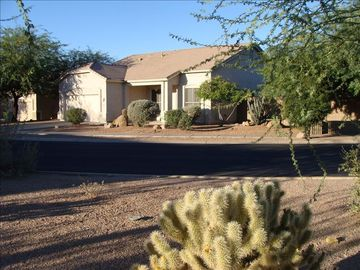 Apache Junction house rental - View From Street