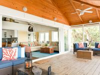 Boat House: Bayfront, Private, Honeymoons, Family-Friendly, Natural Setting