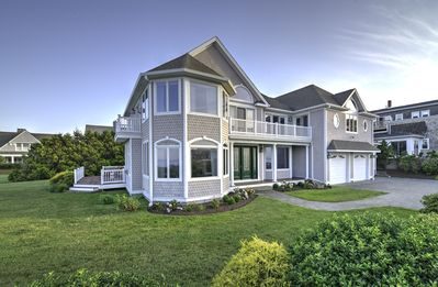 Spectacular Waterfront Home On Ocean Road!
