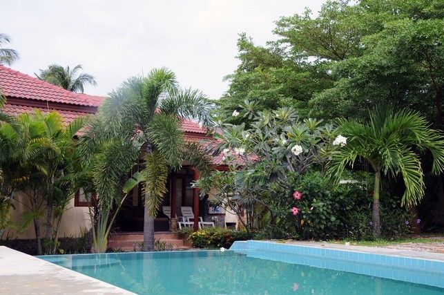 Koh samui thailand villa house with homeaway for Garden pool villa outrigger koh samui