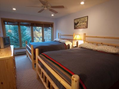 Pine Room, 2 Queen Beds, private bath. HD TV, faces Mountain