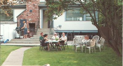A Friendly Backyard, Patio, Grills (2)