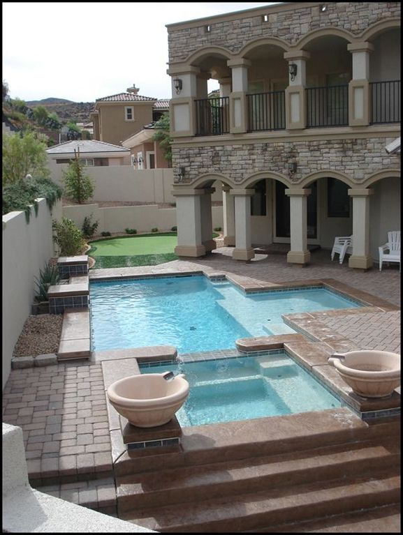 Pool, Jacuzzi, BBQ, Putting Green