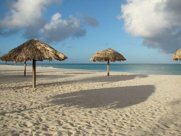 Aruba condo rental - Beachfront location