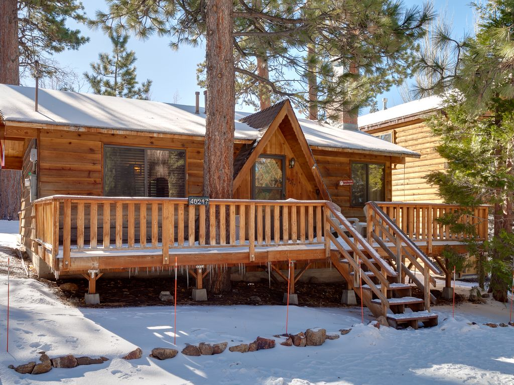 Cute And Cuddly 2 Bedroom Big Bear Cabin Vrbo