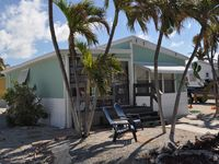 Experience the FL Keys like a local - fully equipped Cozy 2/2 Beach Cottage!