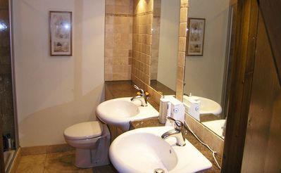 Vale of White Horse cottage rental - Ensuite shower room (to double bedroom)