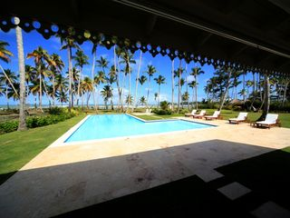 Las Terrenas villa photo - Pool and coconut trees in front of the house.