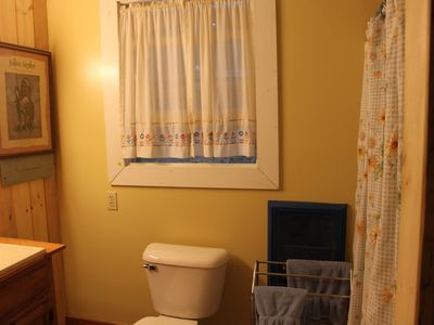 Fairlee cottage rental - Full Bath