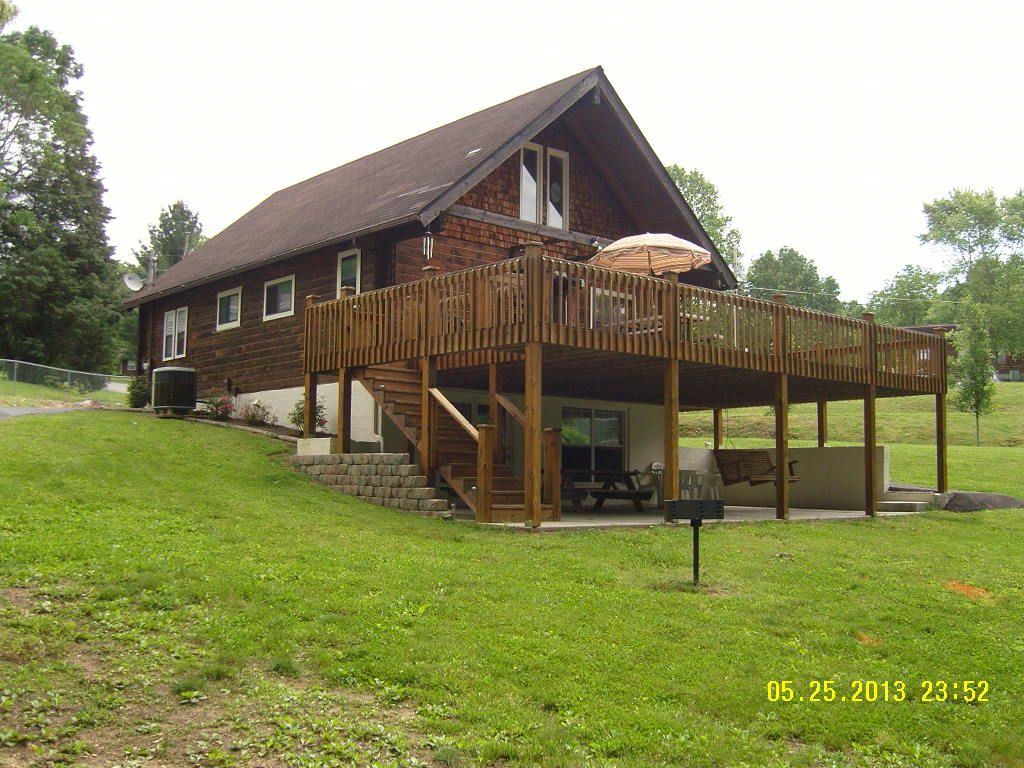 39 lakefront cabin 39 on quiet cove 2 br vacation cabin for for Secluded cabin rentals on lake tennessee