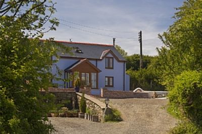 Ty-Hapus, is a traditional Pembrokeshire Cottage, With Private Hot-tub