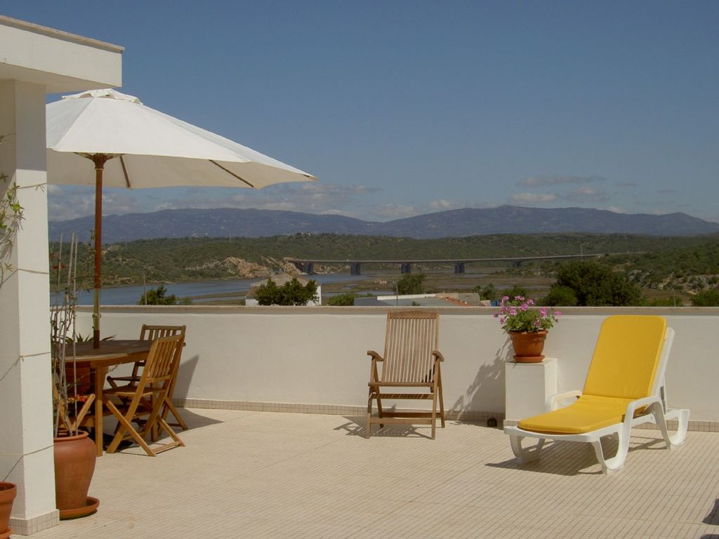 Apartment, 135 square meters, close to the beach