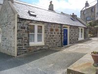 SHORE COTTAGE, character holiday cottage in Whitehills, Ref 914561