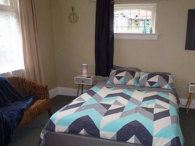 Relax on Rose Street - central Timaru home