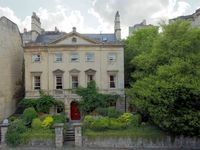 Luxury Self Catering Georgian House in the Centre of Bath