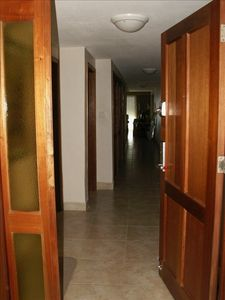 The entranceway and hallway leading into the condo. Digital entrance - NO KEYS!