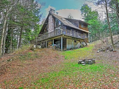 Adirondack-Style 3BR Stamford Home w/Floating Dock