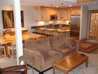 Kitchen and Dining - Lincoln condo vacation rental photo