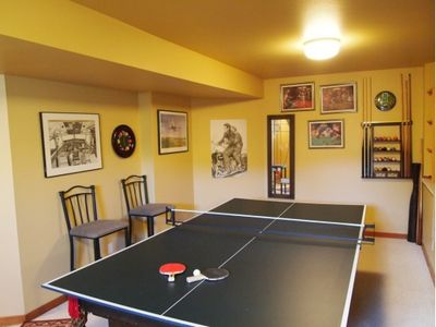 Game room ping pong table (second level)