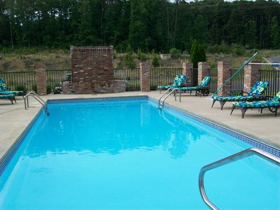 Hot Springs condo rental - Stretch out on any one of our Chaise lounges, read a book & enjoy doing nothing.