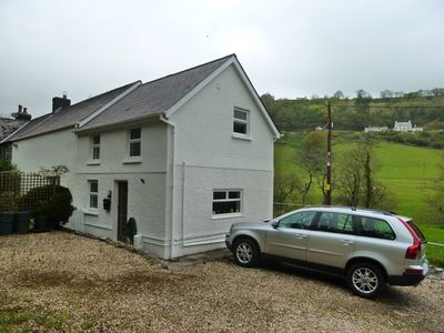 Charming country cottage, near Llandeilo & Carmarthen