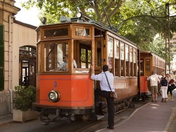 Tram that goes from Port de Soller to Soller