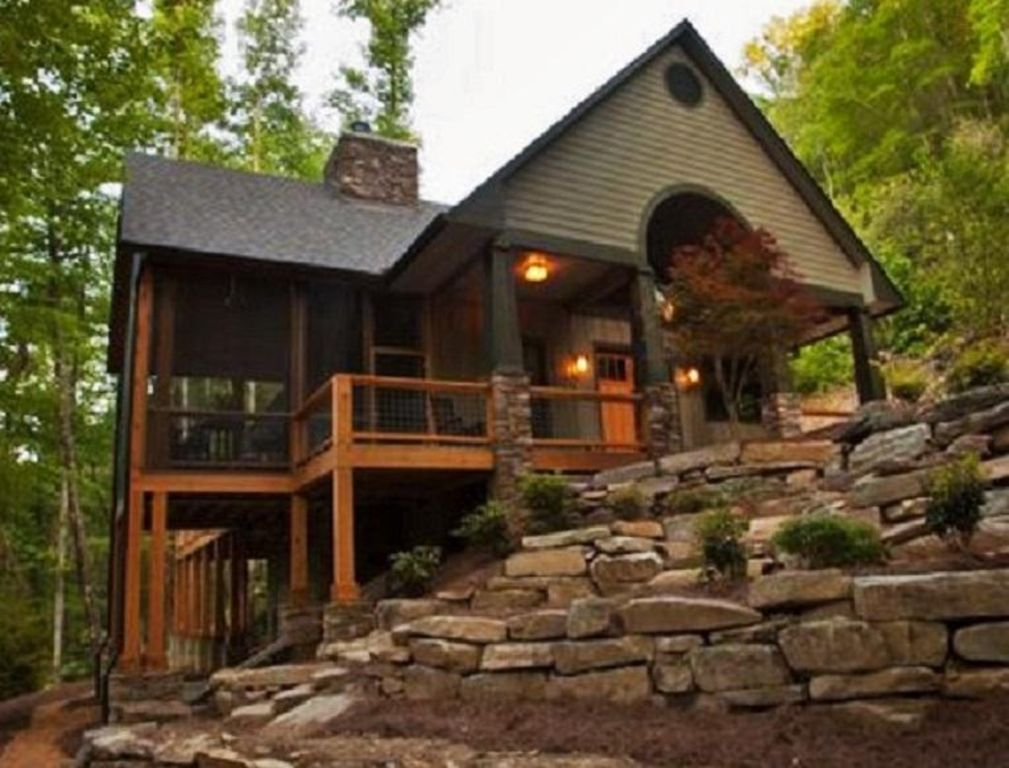 Luxury on the creek 2 fireplaces hot tub vrbo for Gatlinburg cabins with fishing access