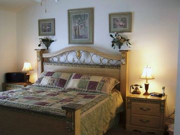 Master Suite With King Bed Luxurious Pillow Top Mattress And En Suite Bath