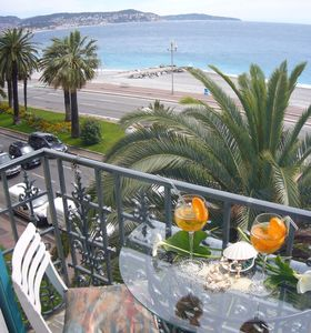 Apartment seafront on the 'Promenade des Anglais' with garage