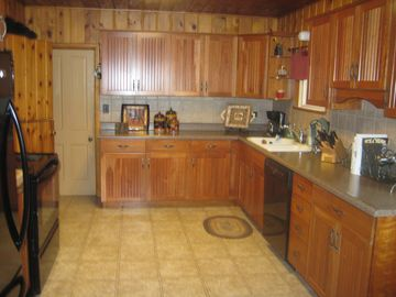 Other side of large kitchen.