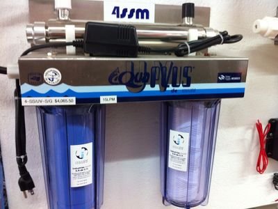 Water Purification System. 2 filters with UV light.